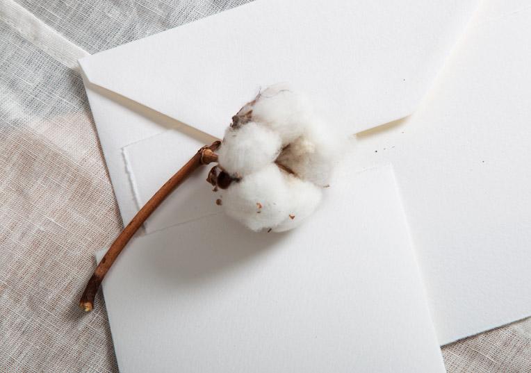 farbig-buetten-karten-huellen-altweiss