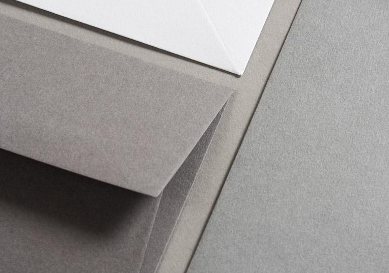 hochzeit-minimalistisch-hammerschlag-briefumschlag