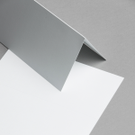 Metallics schimmernd Karten DIN lang hochdoppelt Weiß mit Blauschimmer