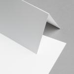 Metallics schimmernd Karten DIN lang hochdoppelt Weiß mit Silberschimmer