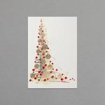 Weihnachtsbaum mit goldenen und roten Kugeln
