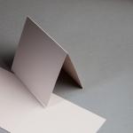 Metallics gebürstet Karten 150 x 150 mm hochdoppelt Nude