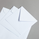 Enveloppes carrées blanches