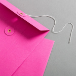 Enveloppe C5 rose avec rondelle par ficelle en rose