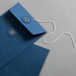 Enveloppe DIN long avec rondelle par ficelle en bleue