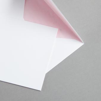 Weiße Hüllen DIN C6 mit Farbfutter Rosa
