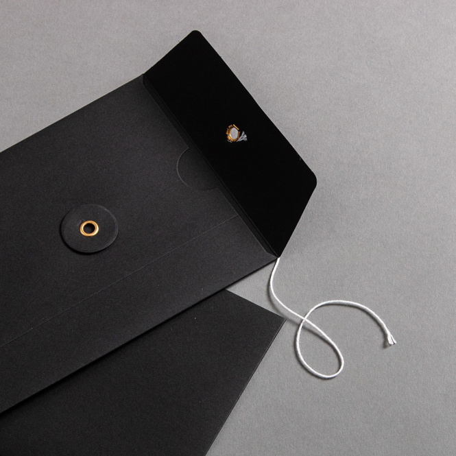 Envelope C6 with string and washer Black