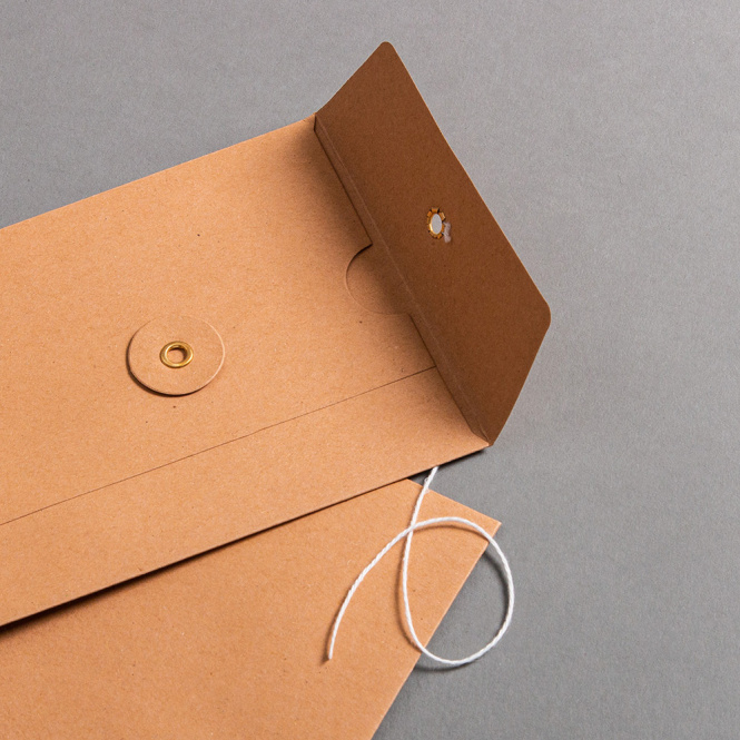 Envelope C6 with string and washer Brown