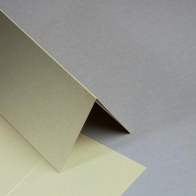 Metallics gebürstet Karten DIN lang hochdoppelt Gold