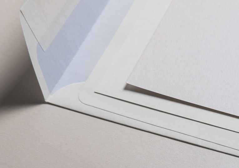 hatari-envelopes