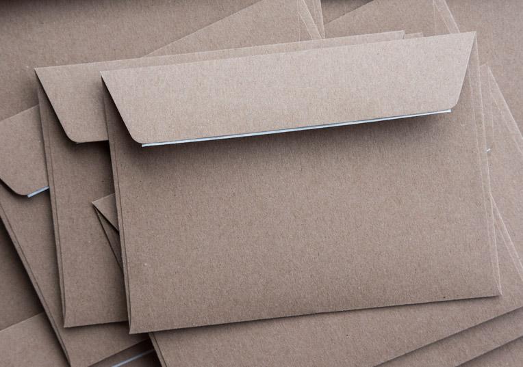 Briefumschläge Muskat Kraftpapier