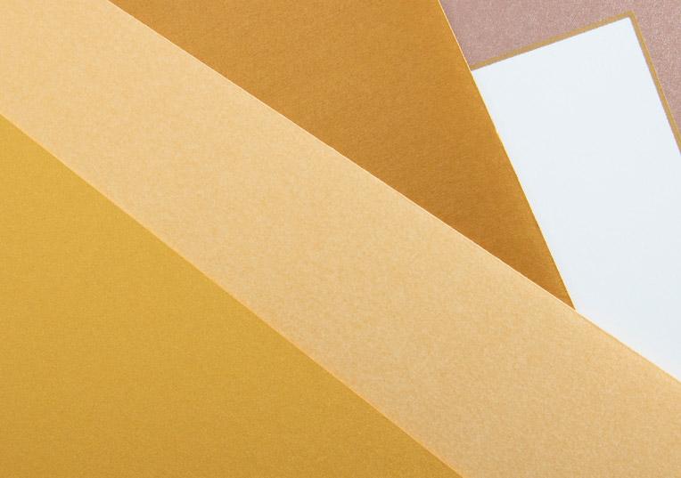 goldfarbene-papiere
