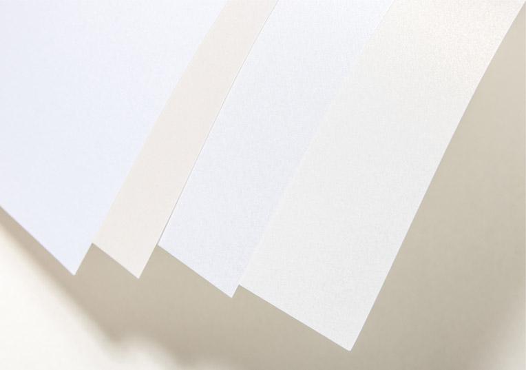 perlmuttfarbene-papiere