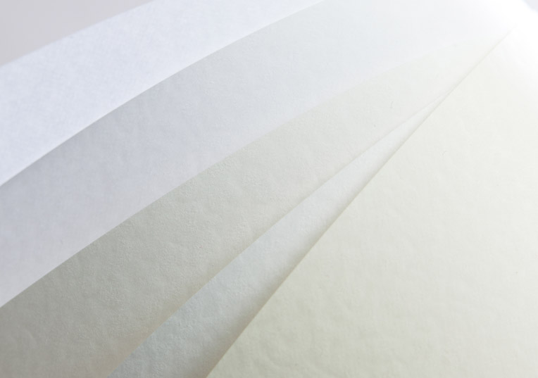 weißfarbene-papiere