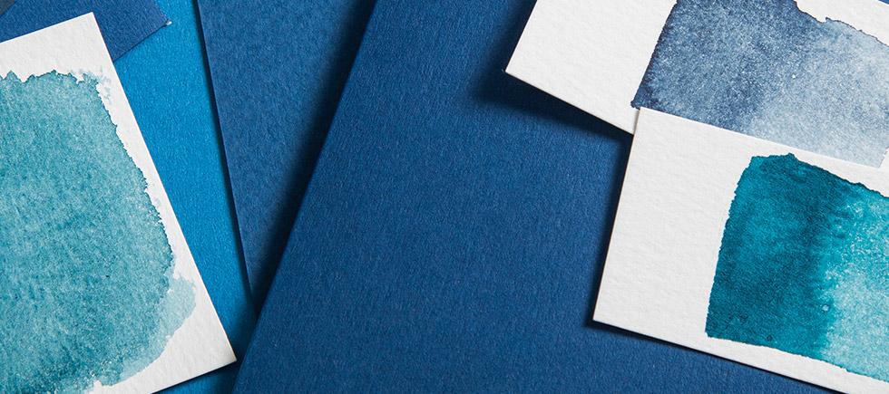 Papiere zur neuen Pantone Farbe des Jahres 2020 Classic Blue