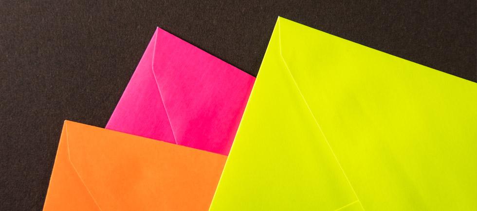 neon-huellen-papier-farbig