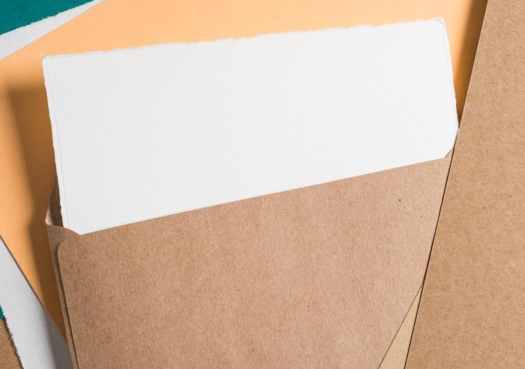 muskat-kraftpapier-huelle-quadratisch