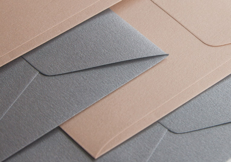 metallics-papier-umschlaege